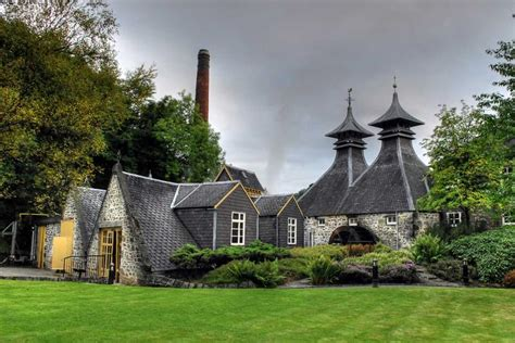 Best of Scotland's Distilleries Tour and Island Hopping