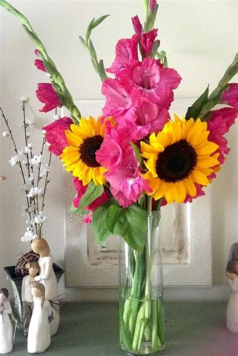Hot Pink Gladiolas and Sunflower Bouquet | Bridal Bouquets