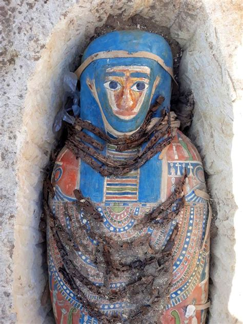 Ancient Egyptian mummies discovered near much older pyramid