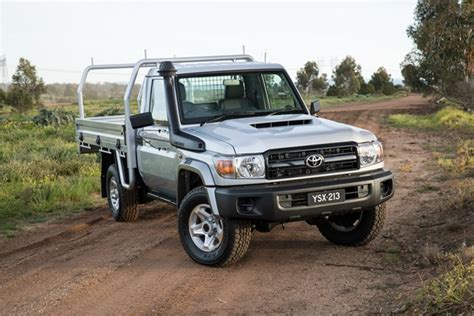Review of the 2017 Toyota Landcruiser LC70 GX Single Cab